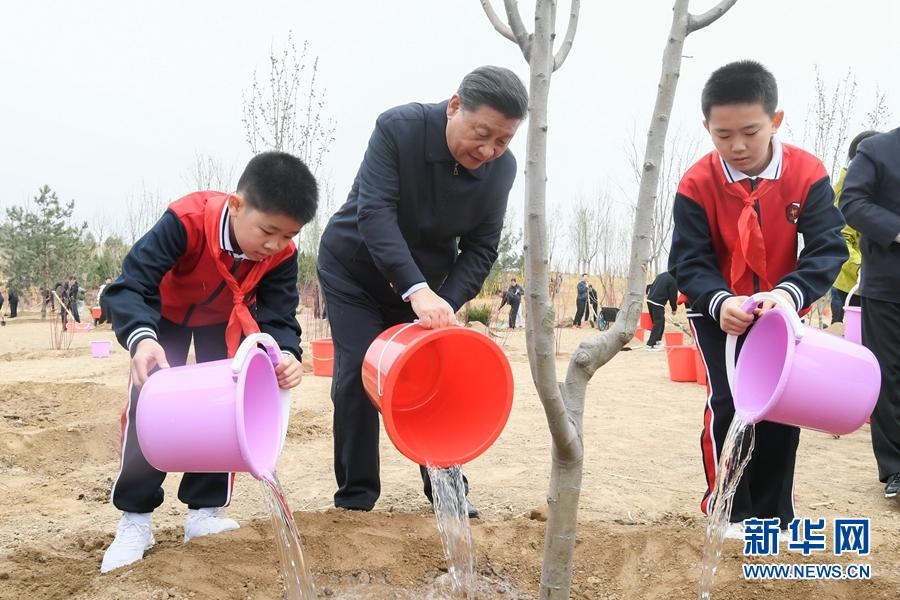 贝斯特全球最奢华游戏参加首都义务植树活动